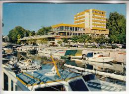 NOGENT SUR MARNE 94 - Piscine Et Port De Plaisance ( Bateaux Hotel Commerces ... ) CPM GF 1986 - Val De Marne - Nogent Sur Marne
