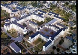 Cpm Du 22 Saint Brieuc Centre Hospitalier , Rue Des Capucins   PY8 - Saint-Brieuc