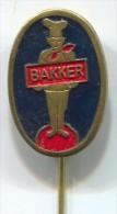 BAKER BACKER - Food, Restaurant, Vintage Pin, Badge - Food