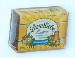 Pins LANDLIEBE BUTTER -  La Tablette De Beurre -  Baratte à Beurre - Fleurs -  D1292 - Alimentation