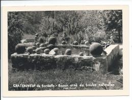 CHATEAUNEUF De Bordette - Bassin Orné De Boules Naturelles - Autres Communes