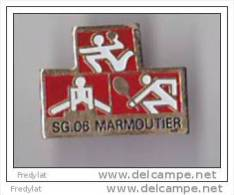PINS  THEME  HANDBALL  TENNIS  GYMNASTIQUE  CLUB DE MARMOUTIER DANS LE BAS RHIN - Balonmano