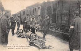 ¤¤  -   65  -  Guerre 1914-1915  -  CHALONS-sur-MARNE -  Embarquement De Blessés En Gare - Train , Chemin De Fer  -  ¤¤ - Châlons-sur-Marne