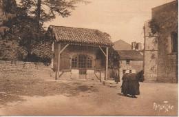 85 Etude à SAINT-HILAIRE-des-LOGES - Saint Hilaire Des Loges