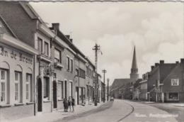 Poperinge      Watou Ronsbruggestraat   In de Krone  kinderen en kerk         Scan 4564