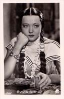 CINÉMA ANCIEN - SYLVIA SIDNEY - PHOTO Des ANNÉES 1920 - ´30 : ROSS - DIMENSIONS ~ 5 X 7 CM (r-081) - Acteurs