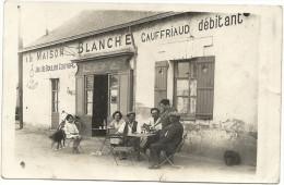 44 NANTES  CARTE  PHOTO A LA MAISON  BLANCHE  GAUFFRIAUD DEBITANT A LA BONNE GALETTE JEUX DE BOULES RTE DE VANNES OCTROI - Nantes