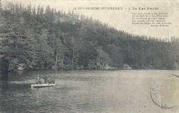 AUVERGNE - 63 - PUY DE DOME -PAVIN - Lac Avec Bateau - France