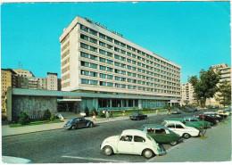 Bucuresti: 2x VW1200, CITROËN DS, 2x FORD TAUNUS P5, VW VARIANT 1500 - Hotel ´Nord´ - Romania - Passenger Cars