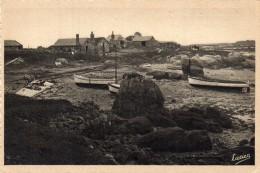 CPA  -  LES ILES CHAUSEY  (50 )  Grande Ile,  Plage De La Cale   - Cachet Agence Bleue Granville - Historial Granvillais - Non Classés