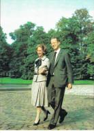 Roi Baudouin  De Belgique Et La Reine Fabiola Se Promenant (photo INBEL) - Célébrités