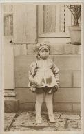 Tres Jolie Petite Fille  Carte Photo Bas Et Jupe Culotte - Enfants