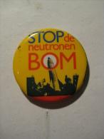 Pin Stop De Neutronen Bom (GA04273) - Militair & Leger
