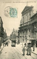 CPA 84 AVIGNON RUE DE LA REPUBLIQUE ET CHAPELLE DU LYCEE - Avignon