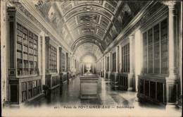 BIBLIOTHEQUES - Livres - Chateau De FONTAINEBLEAU - Bibliothèques