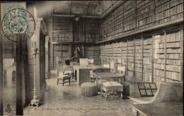 BIBLIOTHEQUES - Livres - Chateau De CHANTILLY - Bibliothèques