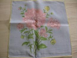 """Pochette /mouchoir Années 1945/50 Bouquet De  Dahlias  Roses  Sur Fond Gris Neuf TBE 28 X 28 Cm Env"""" - Mouchoirs"""