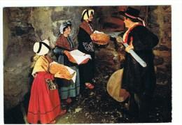 PUY-de-DOME: Folklore Issoirien ,Auvergne Pittoresque ,cuisson Du Pain Dans Le Four De Ferme - Issoire