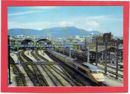 T.G.V. EN GARE DE NICE OCTOBRE 1988 EXPOSITION CARTOPHILE COTE D AZUR CARTE EN TRES BON ETAT - Trains