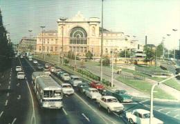 BUS AUTOBUS TRAM TRAMWAY RAIL RAILWAY RAILROAD CAR TRABANT LADA GEASTERN STATION KELETI BUDAPEST * Reg Volt 0144 Hungary - Tram