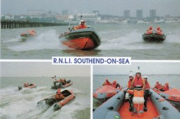Postcard - Southend-On-Sea Lifeboats, & Relief Lifeboat, Essex. L.T.G.26.i - Barche