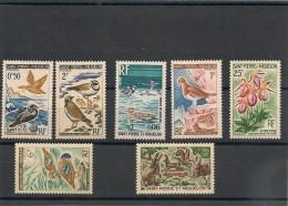 Saint Pierre Et Miquelon  Années 1962/1972 Lot Faune Et Flore **/* - Collections, Lots & Séries