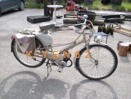 Riec-sur-Belon-29. Cyclomoteur De Marque Mobylettre De Type AV33-1959 - Automobiles