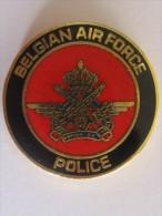 PIN'S POLICE BELGIUM AIR FORCE ARMEE DE L'AIR BELGE - Airplanes