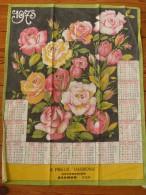 Calendrier en tissu 1973 Publicit� pour H. Prieur Harmonie � Saumur Maine-et-Loire Bouquet de Roses Torchon