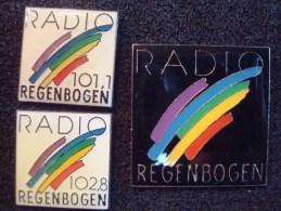 RADIO REGENBOGEN 3 Pin's + RADIO SCHWYZ 1 Pin's - Médias