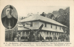ILES MARQUISES - Mgr LE CADRE - SON ECOLE D ATUONA INAUGUREE EN 1924 - PRIX FIXE !! - Polinesia Francese