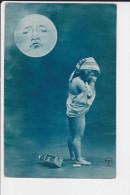 CPA LUNE CLAIR DE LUNE ENFANT PLEURANT CUL NU - Scènes & Paysages