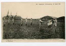 201e Régiment D'Infanterie 14 Aout 1917 - Le Général Pétain Accroche La Fourragère Au Drapeau - Animée, Voir Scan - Guerre 1914-18