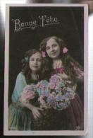Jolie CP Ancienne Bonne Fête - Enfants Fillettes Fleurs - Ed PC 4243 - CAD Angers 14-08-1909 Pour Mme Cruau Nantes - Fêtes - Voeux