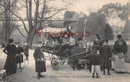 75 - Buttes Chaumont - Un Chargement Complet 75019 - Enfants Attelage Ane   -dos Vierge Precurseur - 2 Scans - District 19