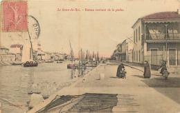 LE GRAU DU ROI BATEAU RENTRANT DE LA PECHE - Le Grau-du-Roi
