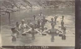Roumanie - Groupe D'hommes Se Baignant Dans Le Baïle Telega, Lac Nou, Carte Photo 1920 - Romania