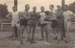 Sport - Passe De Boxe Entre Deux Soldats, Souvenir De Fontainebleau, Carte Photo 1923 - Boxing