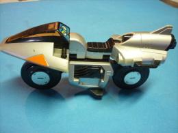 JOUET BANDAI - AVION MOTO TRANSFORMABLE  Long 19 cm (voir 5 photos & descriptif )
