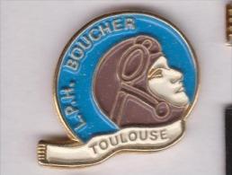 Beau Pin's , Ville De Toulouse , Lycée Professionnel Hélène Boucher , Aviatrice - Villes