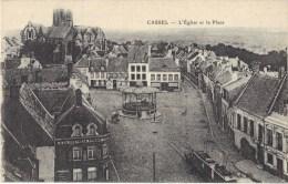 CASSEL      L'église Et La  Place - Cassel