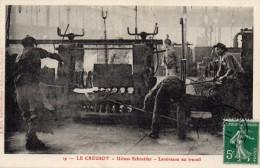 LE CREUSOT-USINES SCHNEIDER-LAMINEURS AU TRAVAIL-BE - Le Creusot