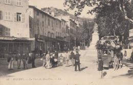 CPA - Hyères - La Place De Massillon - Hyeres