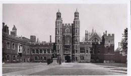 Cpa SCHOOL YARD ETON COLLEGE - Angleterre