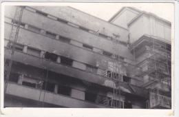 Romania - Bucuresti - 1990 - Damaged building during the Revolution - foto 90x140mm