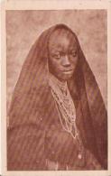 OUROUNDI CHRETIENNE MUHUTU COSTUME EN ECORCE D'ARBRE - Ruanda-Urundi