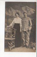 Grande Guerre 1914/1918 Ou Régiment /  Carte Photo De Soldat à Identifier / Chiffre 136 Sur Le Col Et Képi - Regimente