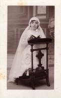 Enfant  - Fillette  - Communiante  - R. Irondy  Cusset (Allier)  - Photo-carte