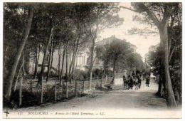 83 - Var / BOULOURIS -- Avenue De L'Hôtel Terminus. - Boulouris