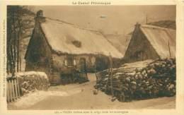 14 - Le CANTAL Pittoresque - Vieille Maison Sous La Neige Dans Les Montagnes - France